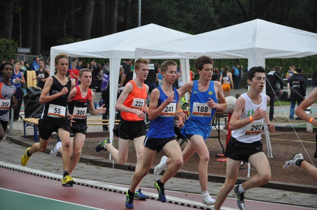 Robin Klamer op NK junioren 3000 meter 2016 (4)